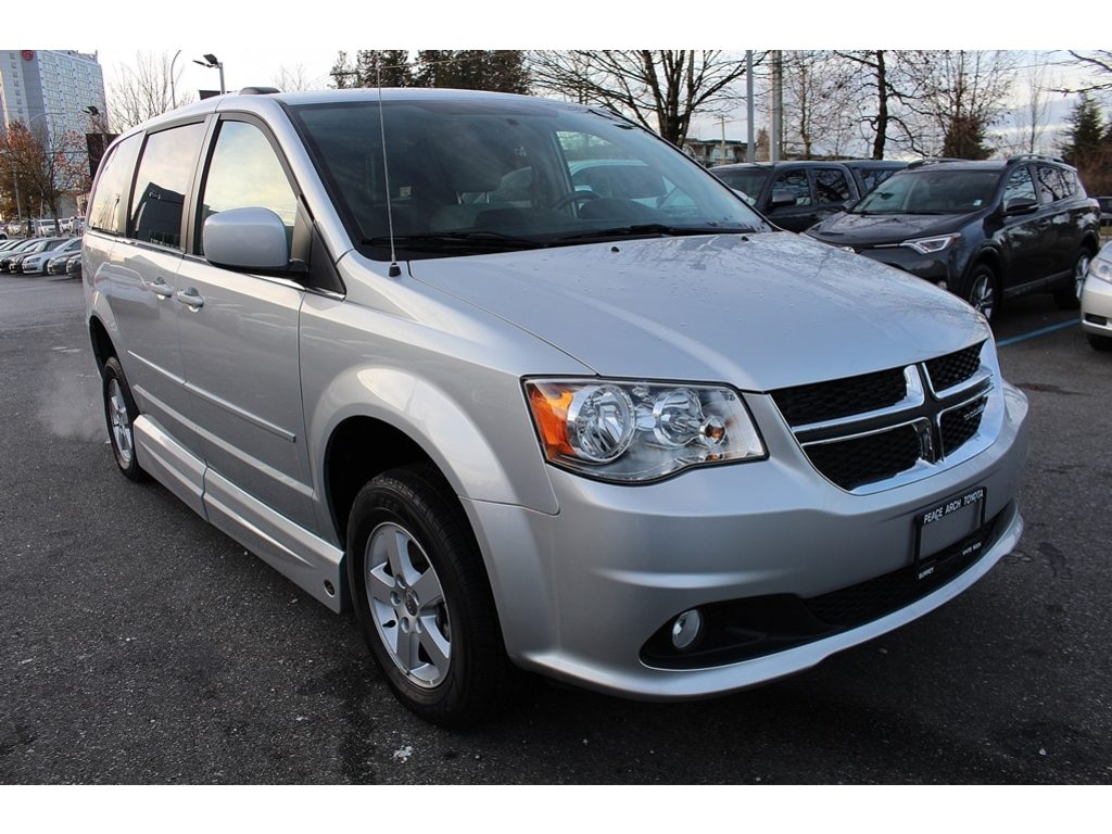 Pre-Owned 2011 Dodge WHEELCHAIR ACCESSIBLE VAN SUMMIT CONVERSION,GRAND CARAVAN $30,000 CONVERSIO