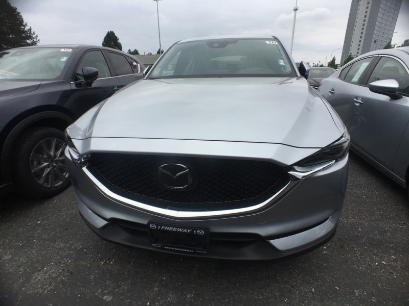 New 2019 Mazda CX-5 Signature Auto AWD - Head-up Display - $261 B/W